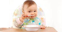 Dùng bánh ăn dặm cho bé 4 tháng tuổi cần lưu ý điều này