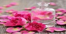 Dùng tinh dầu hoa hồng làm trắng da