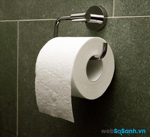 Việc sử dụng giấy vệ sinh để lau miệng, lau tay là hết sức bẩn