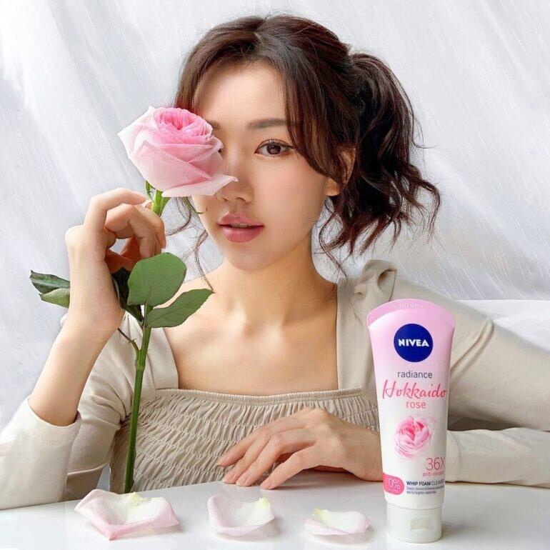 Sữa rửa mặt Nivea Hokkaido Rose