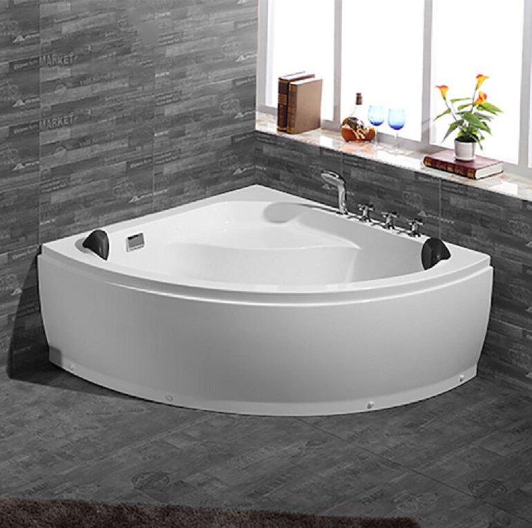 Bồn tắm góc thường có thiết kế hình tam giác