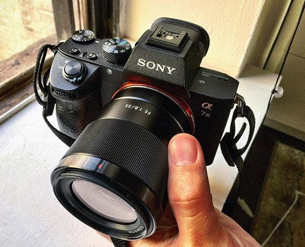 Dòng E-mount cảm biến Full Frame 35mm