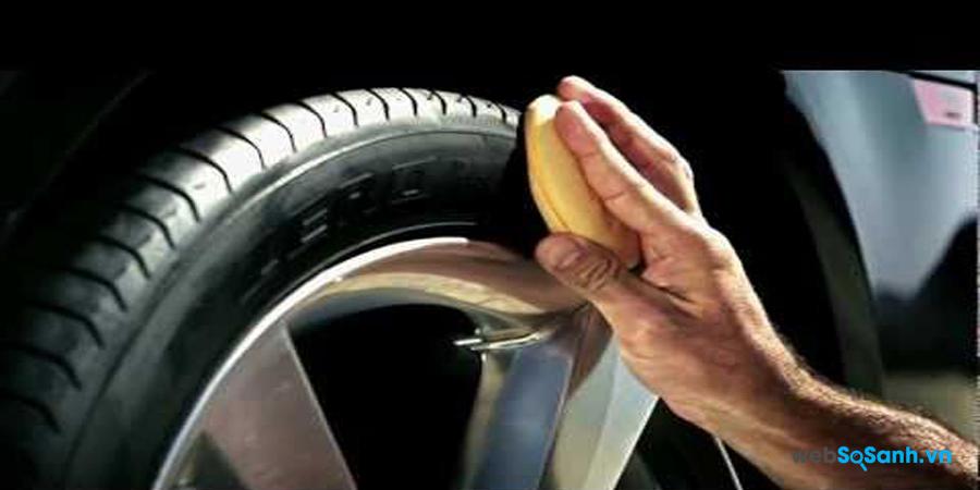 Khi đánh bóng lốp đừng quên vấn đề an toàn