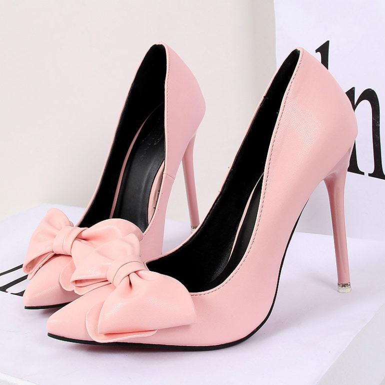 Giày cao gót đính nơ