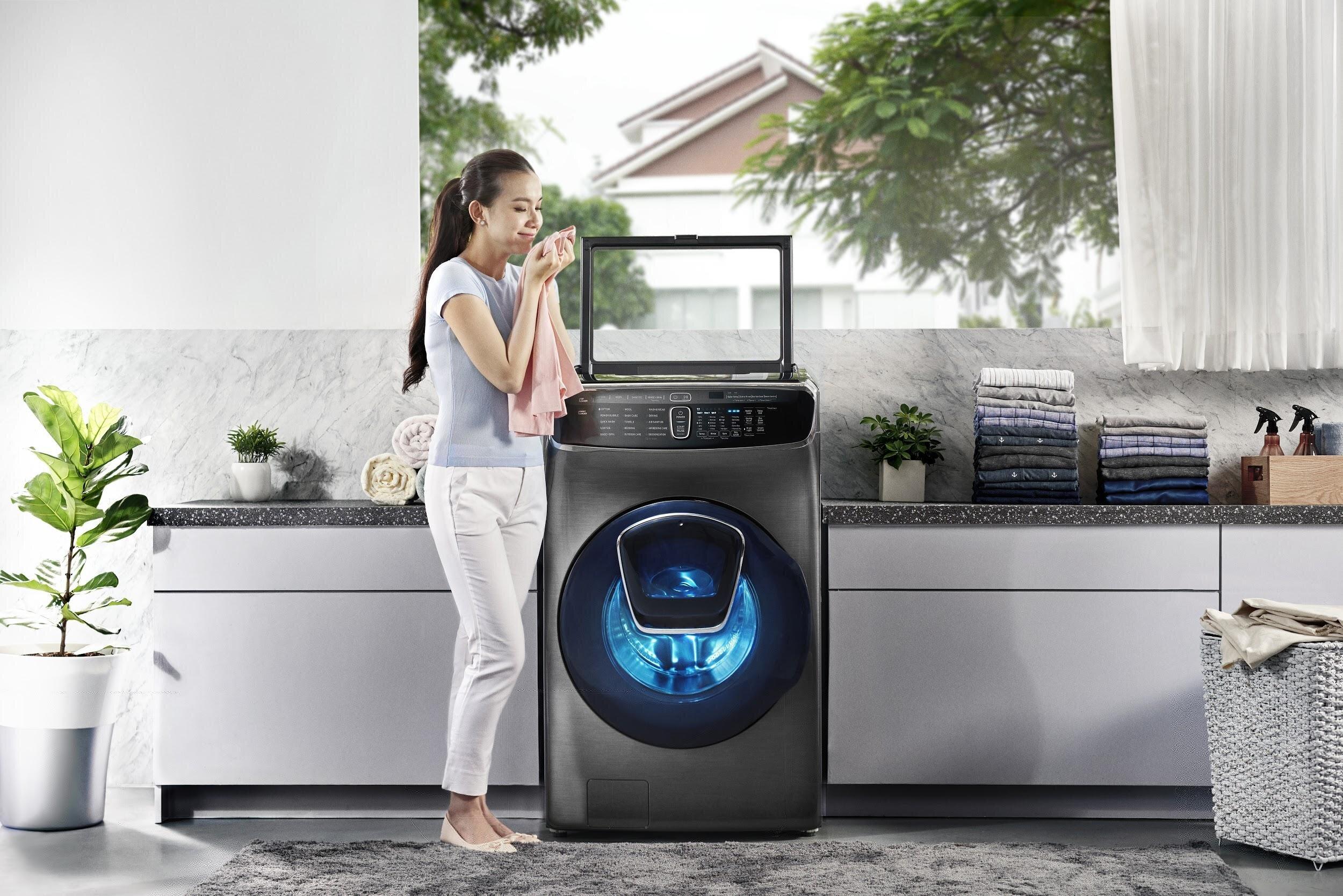 Cả hai ông lớn LG và Samsung đều tích hợp các tính năng mới nhất cho máy giặt