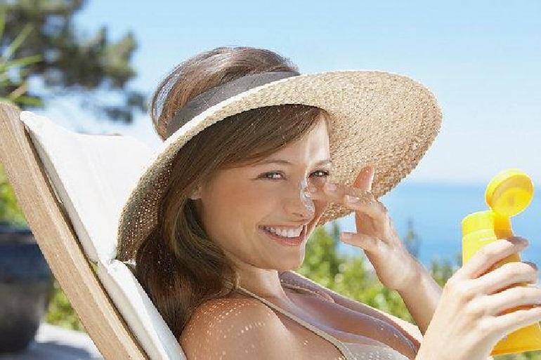 Giới thiệu 3 dòng kem chống nắng cho da nhạy cảm