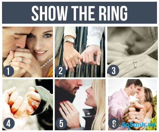 Khoe nhẫn cưới thể hiện hai bạn tự hào về nửa kia của mình