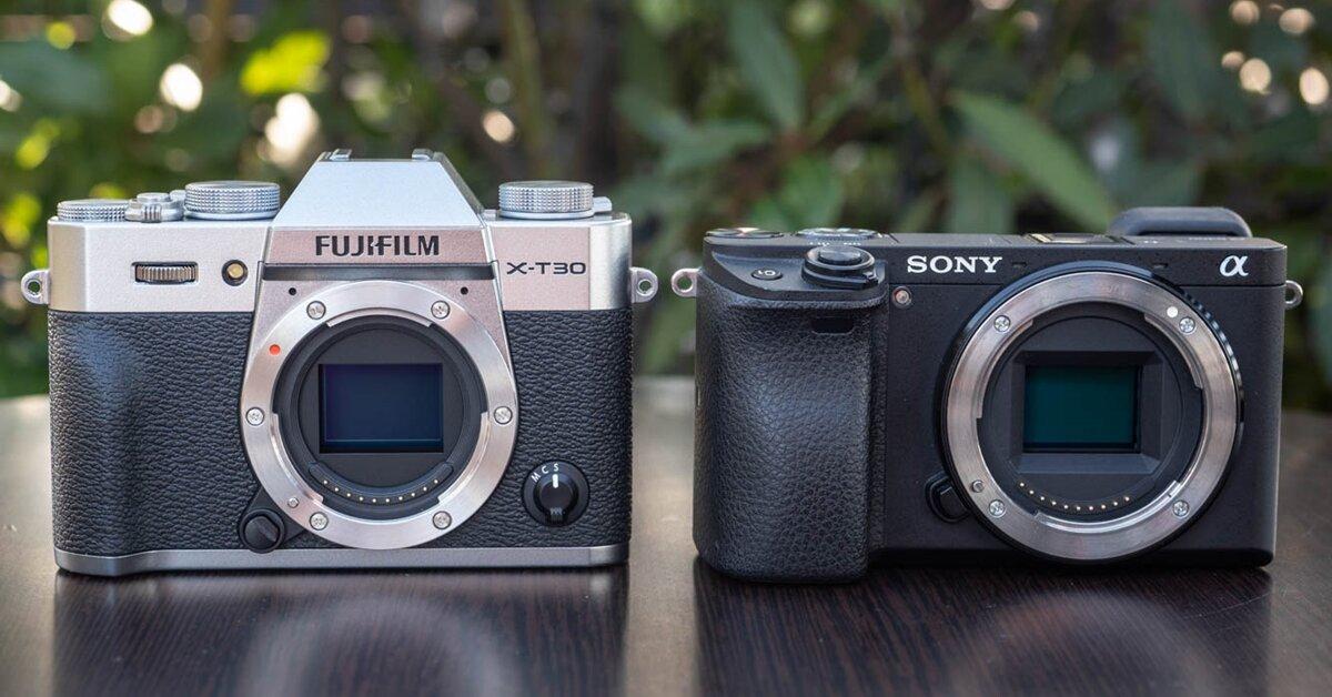 Fujifilm X-T30 và Sony A6400: Máy ảnh nào đáng mua hơn?