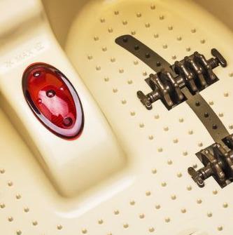 Chế độ massage đa dạng với nước nóng, bọt khí hoặc tia hồng ngoại