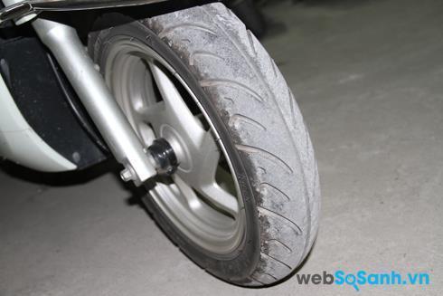 Đừng để chiếc lốp quá mòn trên đường phượt dài