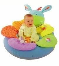 Ghế đệm giúp bạn tập ngồi cho bé yêu