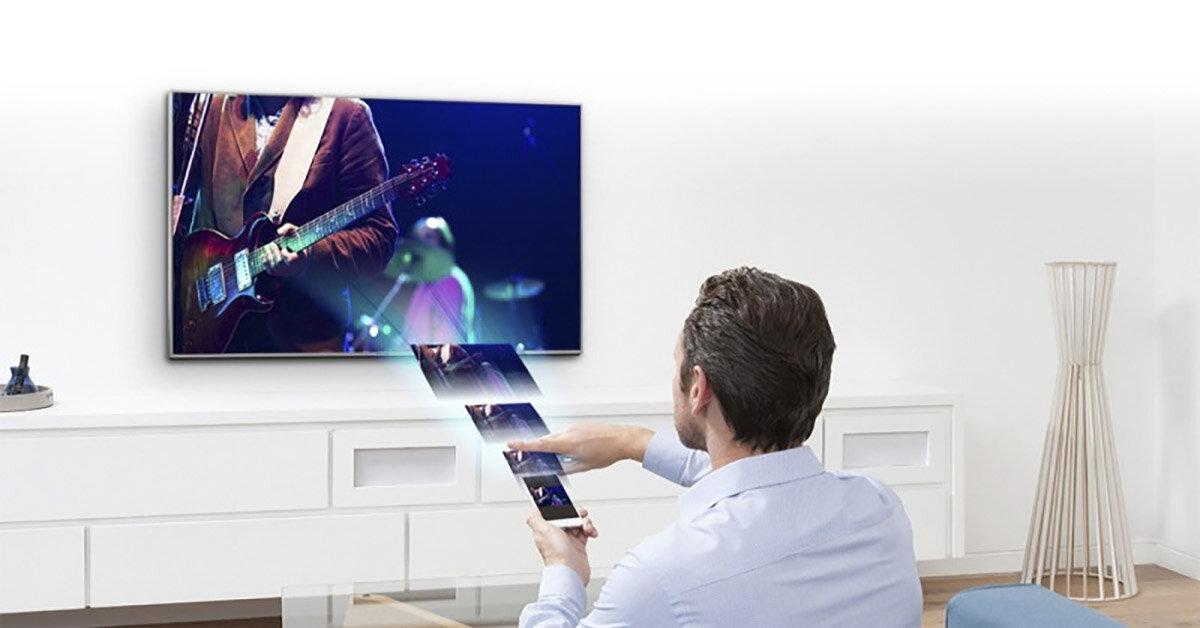 Gia đình có người lớn tuổi chọn mua tivi như nào mới phù hợp nhất
