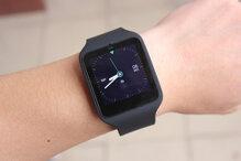 Giá đồng hồ thông minh Sony Smartwatch 3 và Sony Smartwatch 2