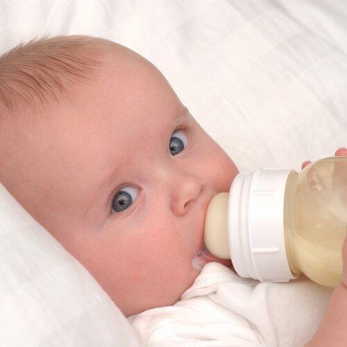 Giá sữa bột cho bé bị tiêu chảy hoặc táo bón trong tháng 9/2017