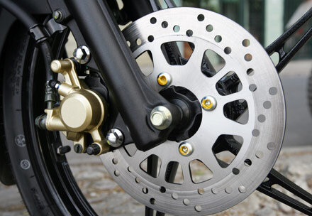 Giá thay phanh đĩa cho xe máy Yamaha bao nhiêu tiền năm 2017?