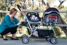 Giá xe đẩy đôi cho bé mới nhất là bao nhiêu?