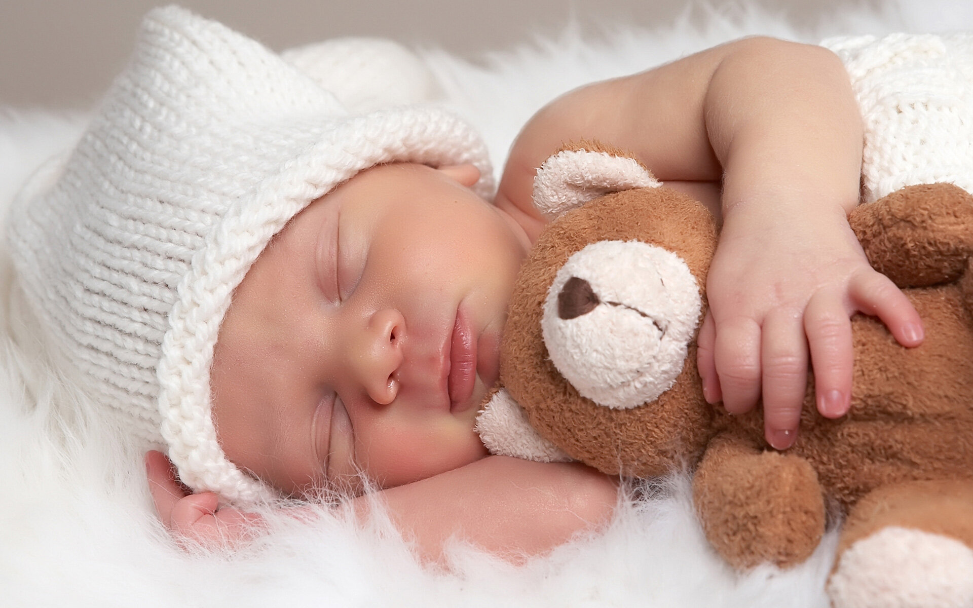 Giấc ngủ đóng vai trò như thế nào trong việc phát triển chiều cao của bé?