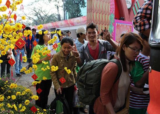 Giảm 50% giá vé xe Tết Ất Mùi 2015  cho sinh viên tại TP Hồ Chí Minh