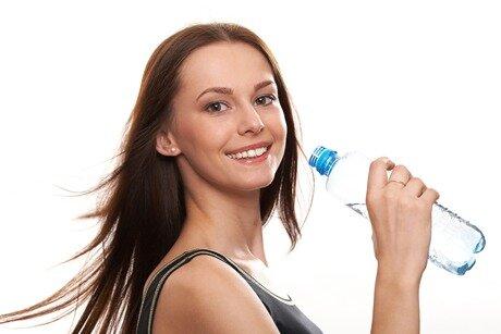 Giảm cân bằng cách uống nước?