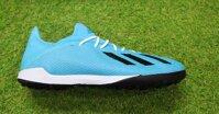 Giày đá bóng sân cỏ nhân tạo loại nào tốt nhất?