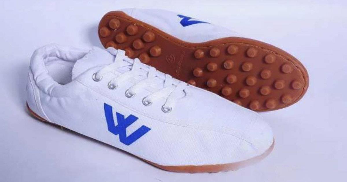 Giày thể thao thượng đình – Sản phẩm quá quen thuộc với học sinh và sinh viên hiện nay