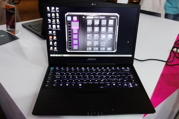 Gigabyte giới thiệu laptop chơi game cực đỉnh