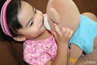 Giúp mẹ vệ sinh thú bông cho bé đơn giản gọn nhẹ
