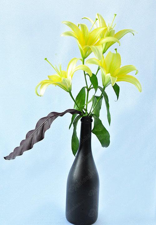 Gợi ý những cách cắm hoa ly đơn giản mà đẹp cho ngày Tết Nguyên Đán