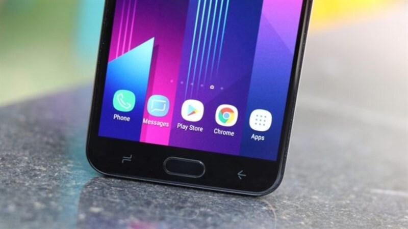 Màn hình của Samsung Galaxy J7 Duo