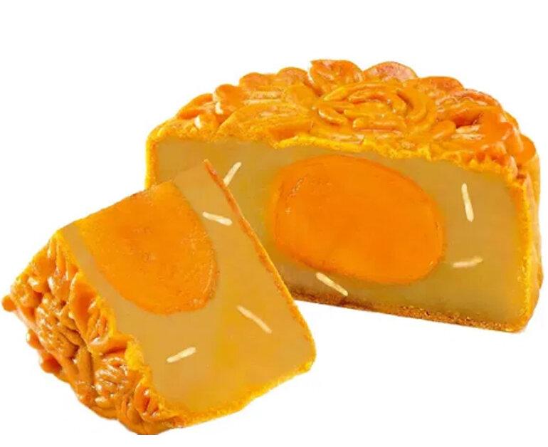 Bánh trung thu trứng muối sen trắng thuần khiết - Giá tham khảo khoảng 180.000 vnđ/ chiếc 180g