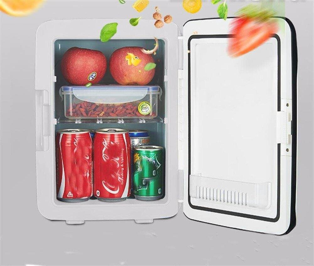 Tủ lạnh mini 10L có khoang chứa cứng cáp và khá rộng