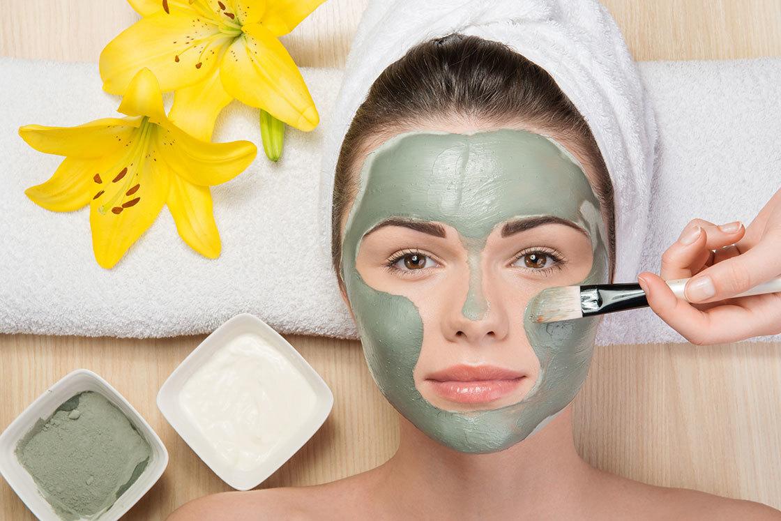 Mặc dù mặt nạ đất sét giúp da sạch sẽ và căng mịn hơn nhưng bạn không nên đắp quá lâu