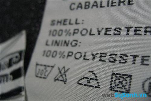 Thành phần vải được in trên mác quần áo