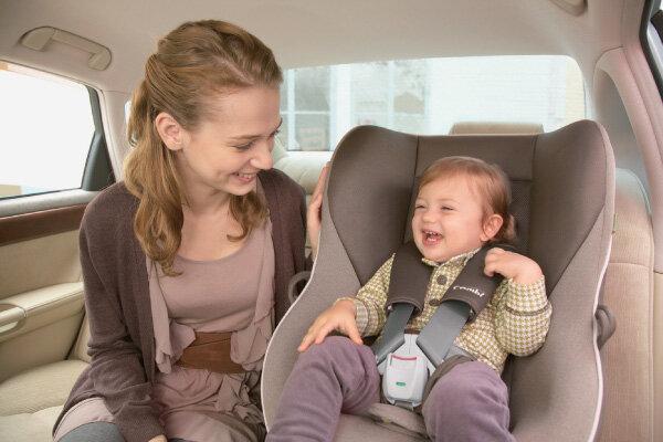 Học cách cho con ngồi đúng tư thế trên xe để đảm bảo an toàn tuyệt đối