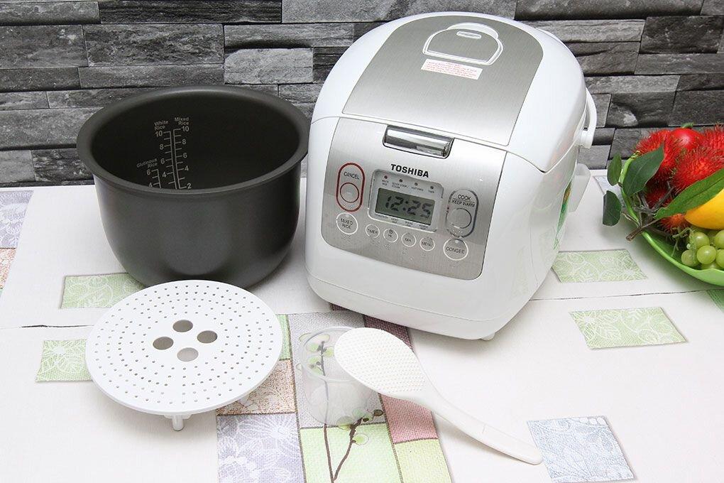 Toshiba RC-18NMFI 1,8L sử dụng công nghệ nấu 3D hiện đại