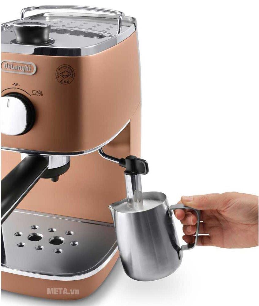 Máy pha cà phê cơ Delonghi giúp tiết kiệm thời gian