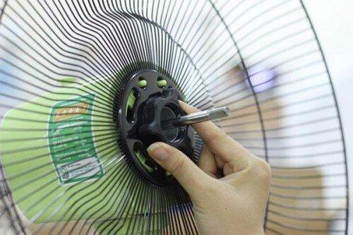 Hướng dẫn bảo dưỡng quạt điện trước mùa hè