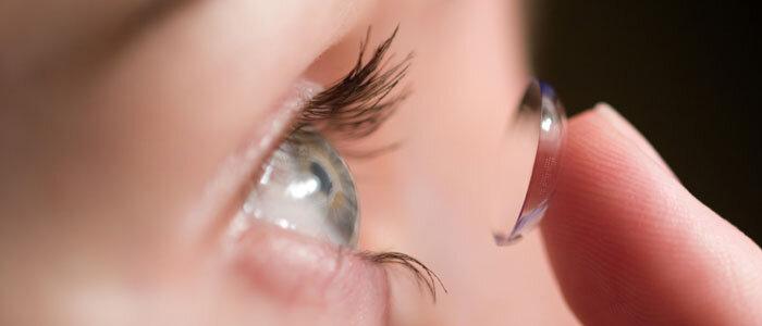 Hướng dẫn cách đeo kính áp tròng cho người mới bắt đầu
