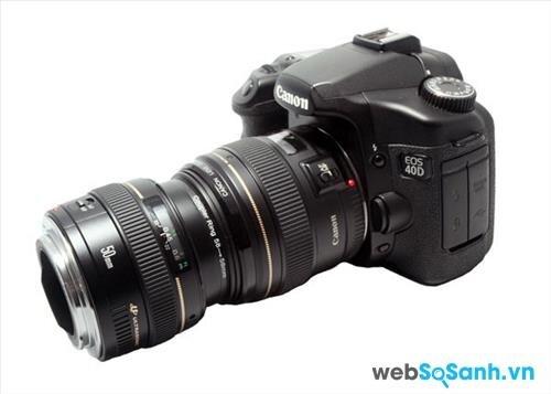 Hướng dẫn cách lắp ống kính vào máy ảnh