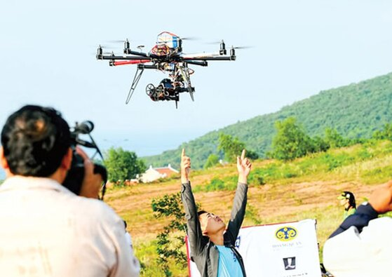 Hướng dẫn cách sử dụng flycam drone quay đẹp dễ dàng di chuyển an toàn