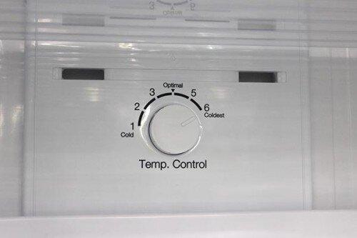 Hướng dẫn điều chỉnh nhiệt độ trên tủ lạnh giá rẻ Aqua