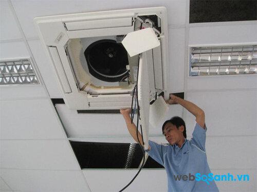 Hướng dẫn vệ sinh máy lạnh âm trần đúng cách
