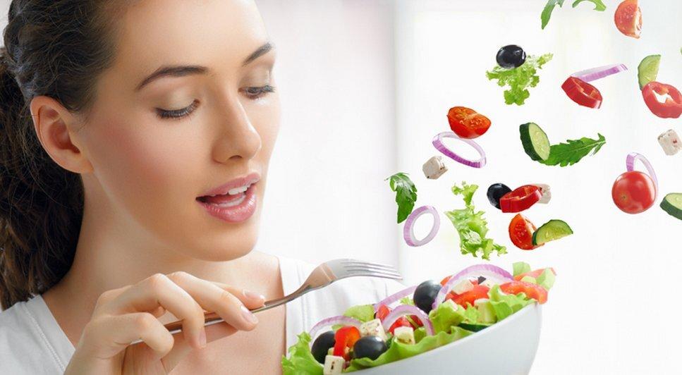 Thay vì ăn quá nhiều đồ ngọt, hãy bổ sung nhiều rau củ quả để cơ thể thêm khỏe mạnh, làn da thêm săn chắc, mịn màng