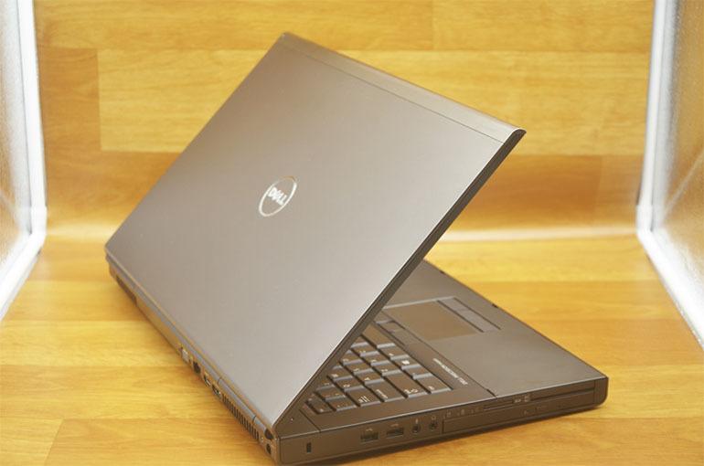 Laptop Dell Precision M6800 thiết kế chắc chắn, cấu hình khủng