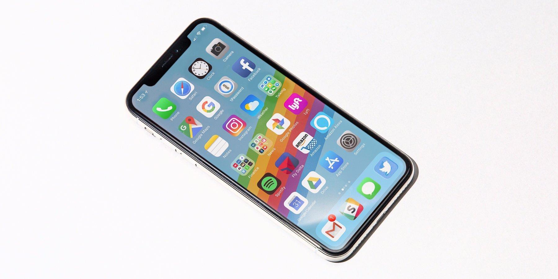 iPhone X loạn giá, loạn xuất xứ, nên mua bây giờ hay đợi?