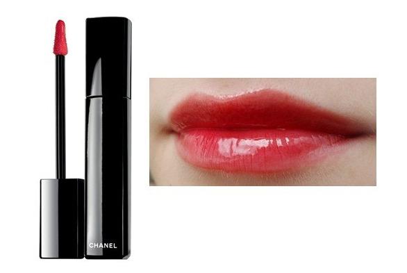 sắc đỏ và độ bóng bẩy giúp đôi môi bạn có sự hấp dẫn kì lạ đấy