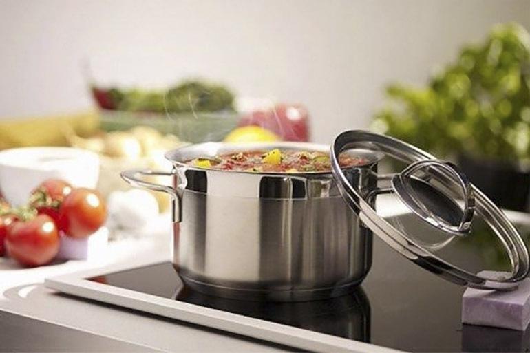Bếp từ Electrolux được tích hợp rất nhiều chế độ tiện ích giúp người dùng thoả thích nấu nướng
