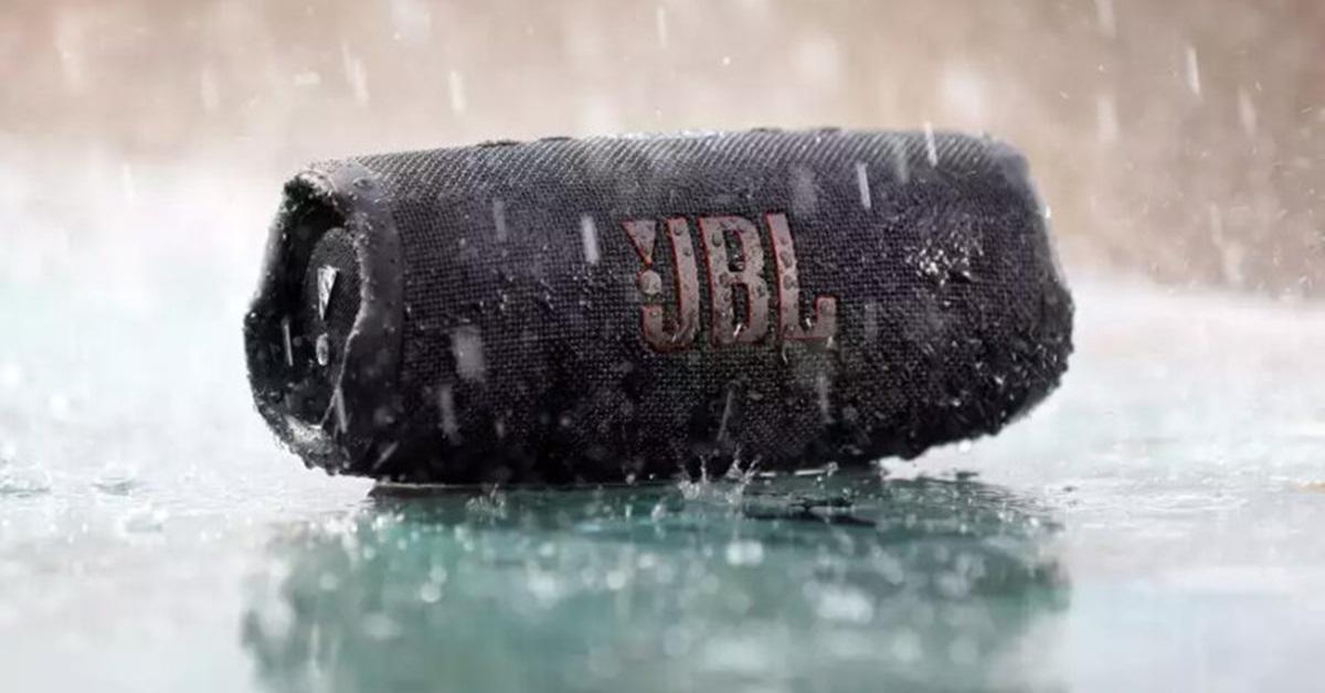 JBL Charge 5: Đây có phải là loa Bluetooth tốt nhất năm 2021?