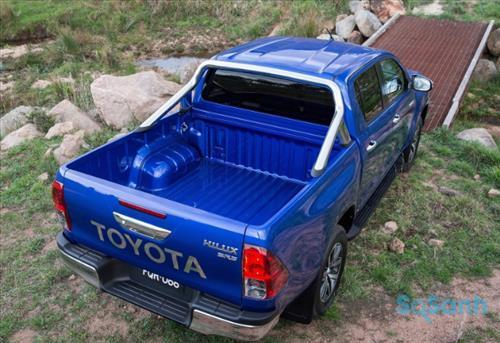 Thùng xe Toyota Hilux 2016