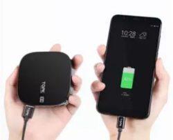 Sạc dự phòng TOPK 10000 với 2 cổng sạc USB nhỏ gọn tiện lợi, dùng được cho Samsung, Apple và Xiaomi